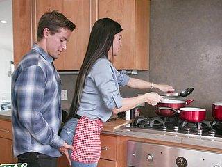 Ebenholz Mama gefickt Küche