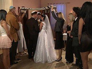 Fickt Hochzeit der Ehefrau vor Ehefrau Geht