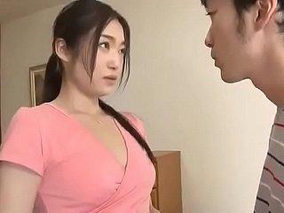 Hardcore japanische Orgie mit zierlichen und dünnen asiatischen Spritzen